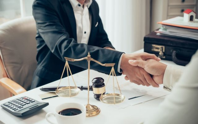 услуги юриста, юрист по недвижимости, помощь юриста